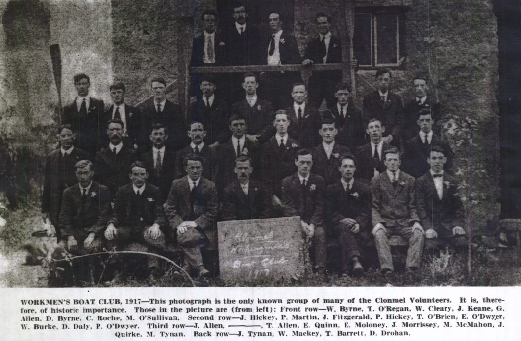 Photo of Irish Volunteers outside the Boat Club, 1917